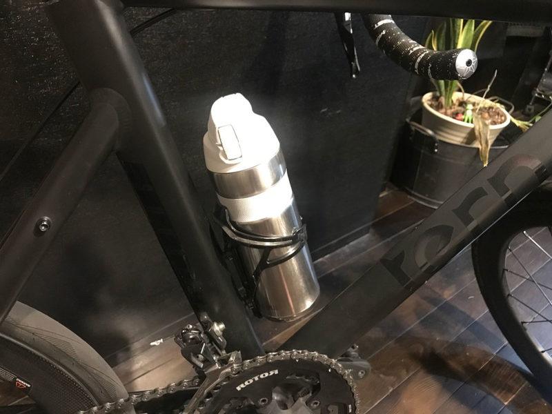 夏のサイクリングにおすすめ!保冷力が半端ないボトルはサーモス真空断熱ボトル